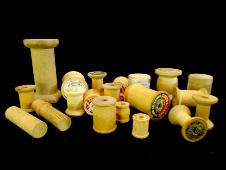 Wooden Thread Spools Lot of 16 with 4 Needle Boxes or Tubes image 0