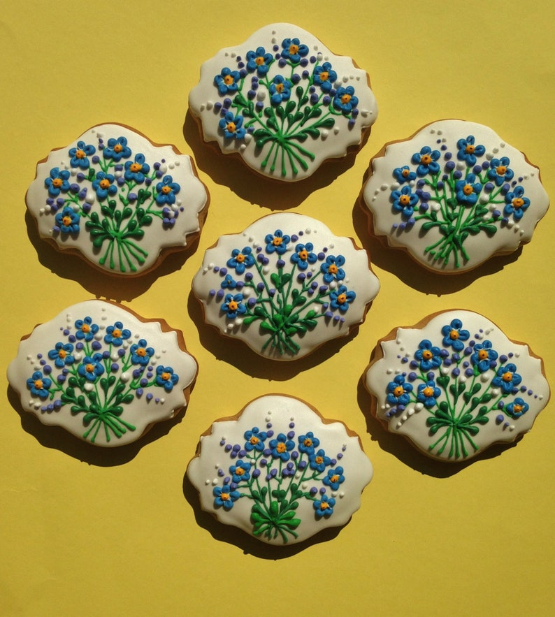 Bouquet Forget Me Not Icing Decorated Hungarian Gingerbread Cookies 6 Pieces