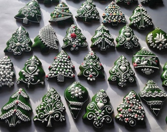 Hungarian Christmas gingerbread ornaments , Icing decorated Cookies on green background(6 pieces)