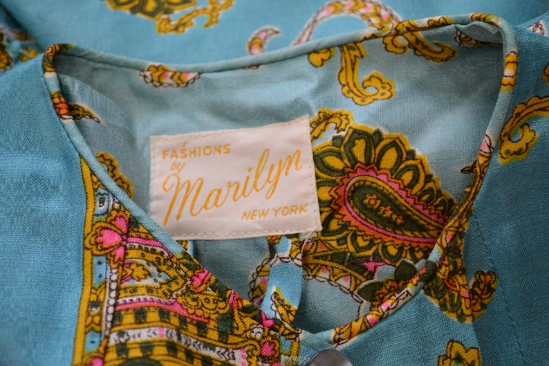 Mod Lingerie Mad Men  Medium Large 60s Paisley Dressing Robe with Gold and Pink Accents Robin Egg Blue Robe