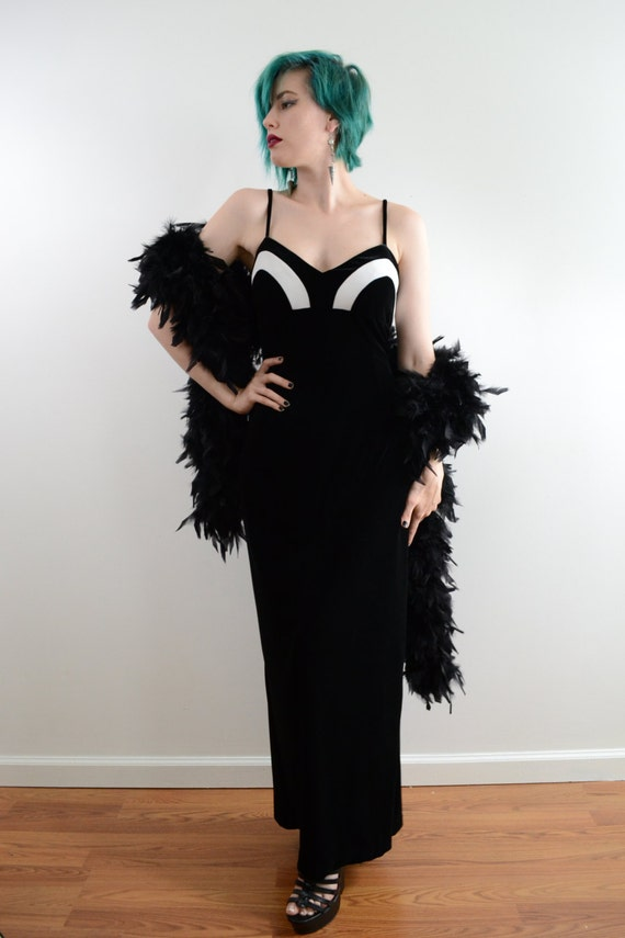 1990s Jessica McClintock Velvet Maxi Dress in Bla… - image 2
