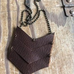 V-Necklace, leather