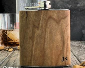Bestseller flask, Wooden Groomsmen flask. Personalized