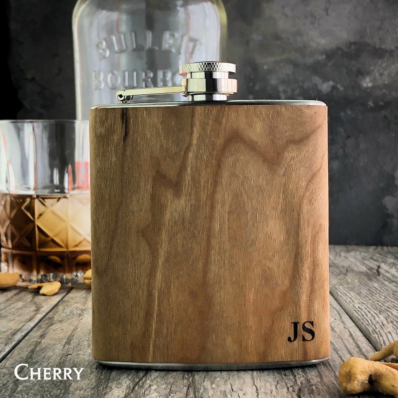 Bestseller flask Wooden Groomsmen flask. Personalized image 0