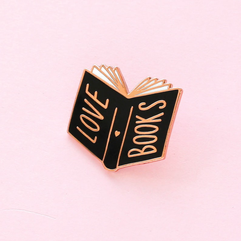 Love Books Emaille Pin