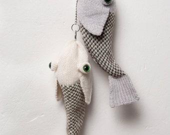 Jacquard Fish Bag with Chain
