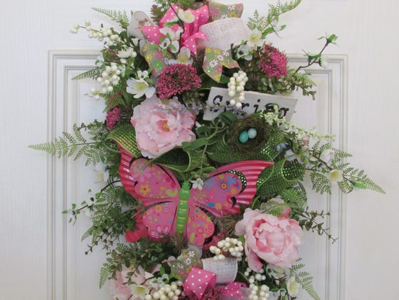SPRING FLORAL SWAG~ Farmhouse Style Swag~ Farmhouse Inspired Spring Floral Swag ~French Country Floral Door Decor ~Cottage Chic Floral  Swag