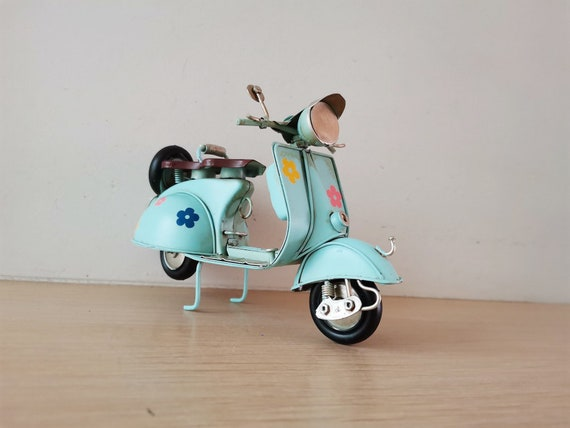 Hippie scooter miniature, metal scooter miniature in sky blue with flowers decor, retro collectible, Italian style bike figurine