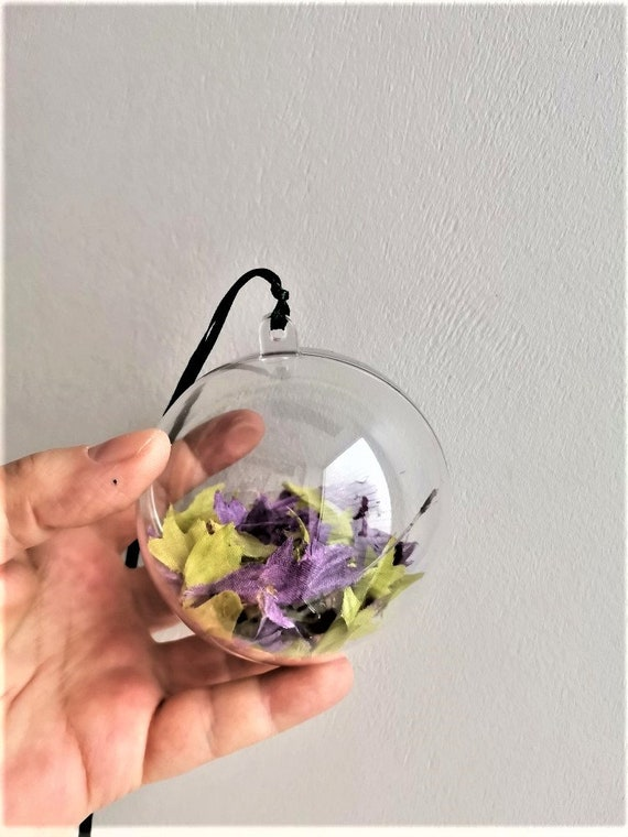 Lime purple bauble, clear Xmas bauble filled withlime and purple leaves, transparent plastic Xmas tree ball fabric leaves
