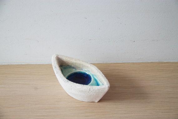 Blue eye boat, white clay blue glaze boat with eye shape and colour, handmade handbuilt Greek boat, blue eye pot, boho blue eye decor