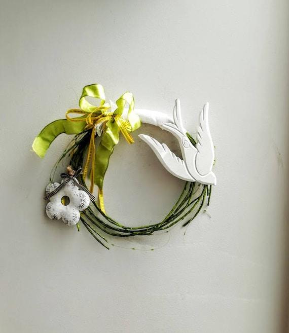 White bird wreath, white flower wreath, wooden bird on green vines wreath, white bird and white flower with lime green ribbon wreath