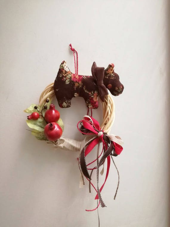 Scottie dog wreath, fall winter wreath with scottie dog plushie in brown and pomegranates branch, wicker wreath in brown red green colours