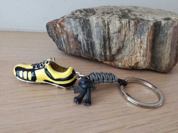 Football shoe keyring, yellow black football shoe, soccer shoe key ring, soccer shoe key chain, mens gift, μπρελόκ Αρης, μπρελόκ ΑΕΚ