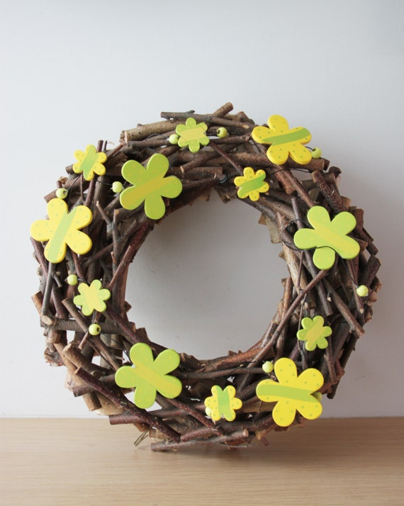 Yellow flowers wreath, wooden branches wreath with yellow green flowers, large, flowers wreath, year round wreath with real tree branches
