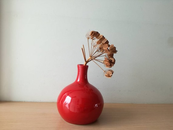 Red bud vase, ceramic ball shaped vase for one flower, red vase decor, wheelthrown cute, red vase