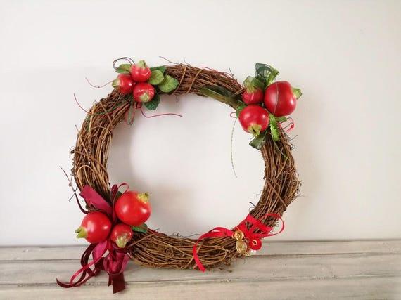 Pomegranate wreath, ceramic pomegranates wreath, vine wreath with pomegranate clusters, earthenware pomegranates, rustic wreath, boho decor