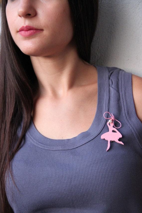 Ballerina wooden brooch, pink ballerina brooch, wooden ballerina cutout in pink, pink ballerina with pink bow, girls and teens brooch
