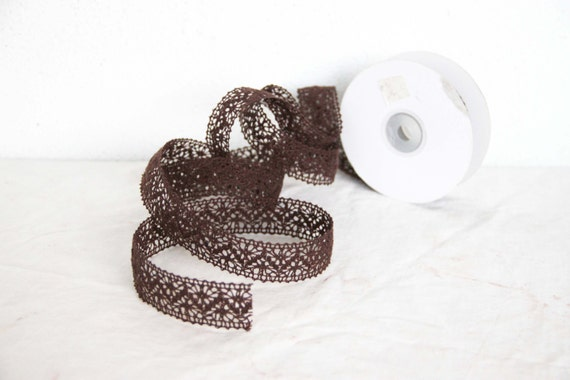 Brown cotton lace, chocolate brown lace ribbon, craft and sewing cotton trim, gift wrapping and craft making lace, 5 metres, 5.46 yards