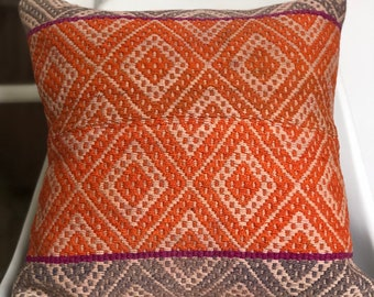 Decorative cushion cover loom wool