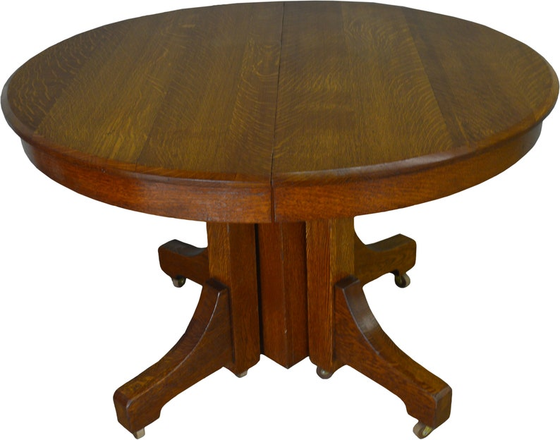 Mission Round Table.17404 Mission Round Oak Dining Table