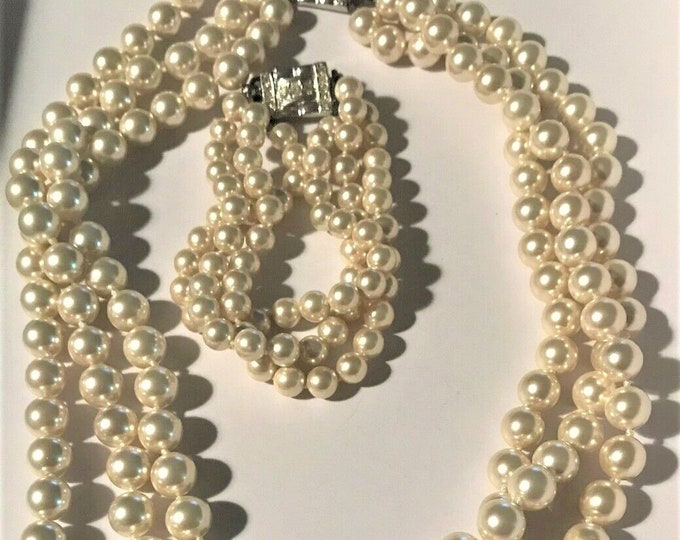 Jackie Kennedy Jewelry Set - Triple Strand Pearl Necklace and Bracelet with Certificate