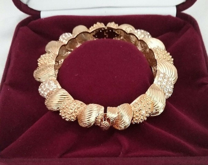 Jackie Kennedy Bracelet - Bold Gold Bangle with Crystals - Size 7.5 - 122