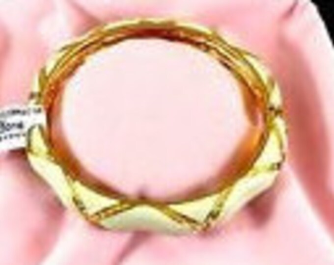 Audrey Hepburn Ivory Colored Bangle Bracelet - Gold Plated - Size 6.5 - 324 tms1