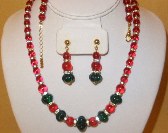 Jackie Kennedy Jewelry SET - 3pc Necklace, Bracelet and Earrings in Red and Green with Certificate
