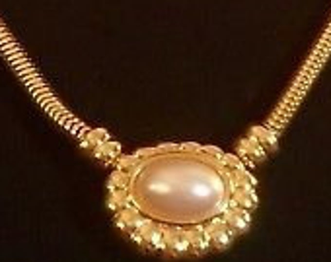 Joan Rivers Necklace - Snake Necklace with Snap on Pearl Pendant -  S3110