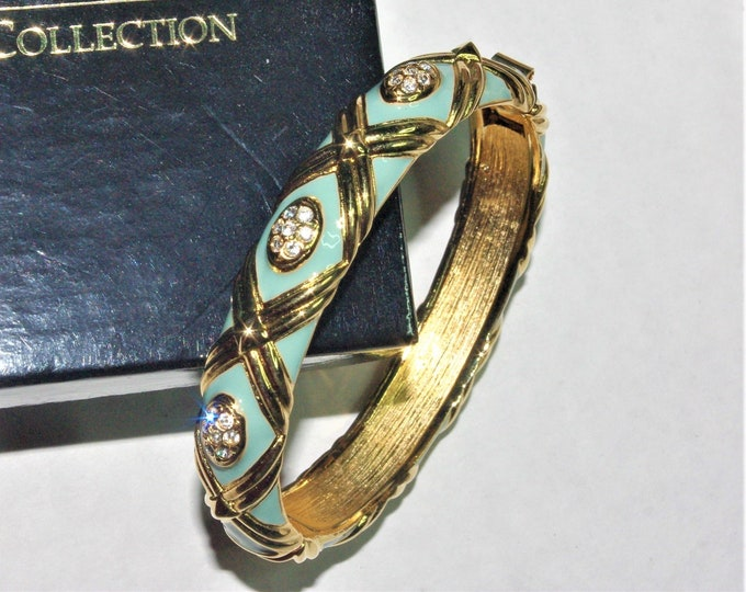 Joan Rivers Green Hinged Bangle Size 6.5 - S3203