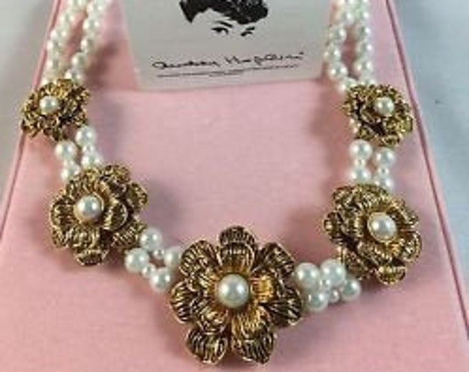 Audrey Hepburn Necklace - Pearls with Gold Flowers - Adjustable