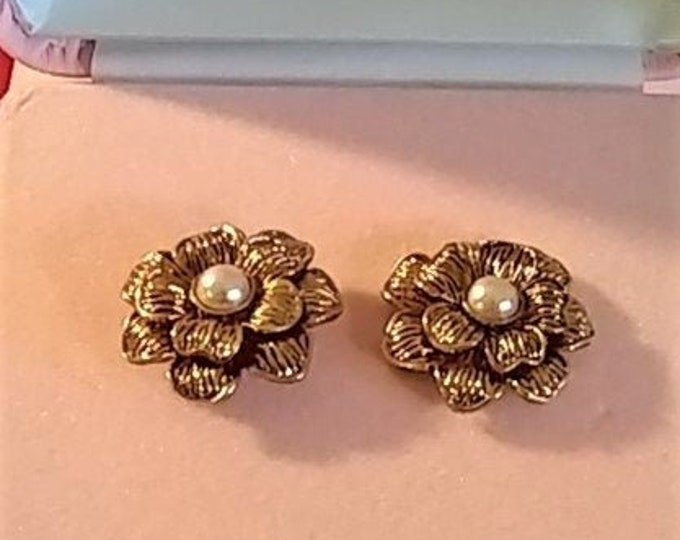 Audrey Hepburn Earrings - Gold Tone with Pearl Centers - Pierced