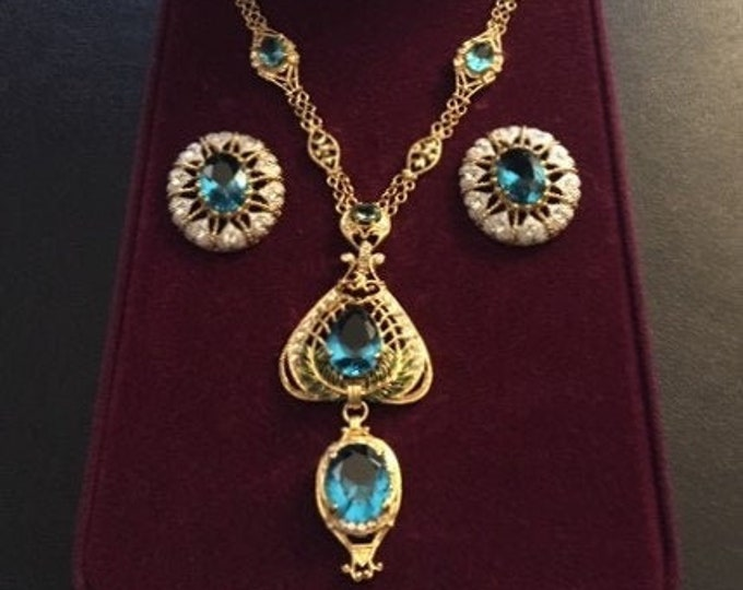 Jackie Kennedy Aqua Necklace & Earrings Set