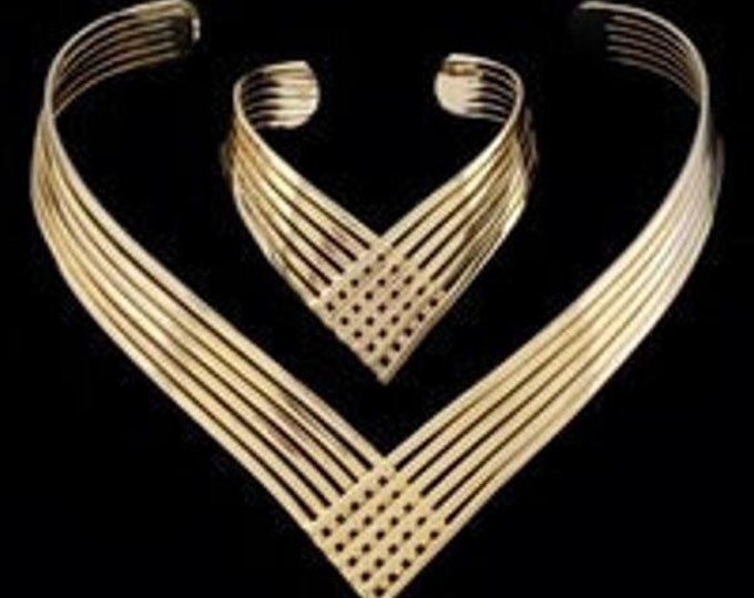 Gold Plated V-Shaped Wire Necklace Set - TMS