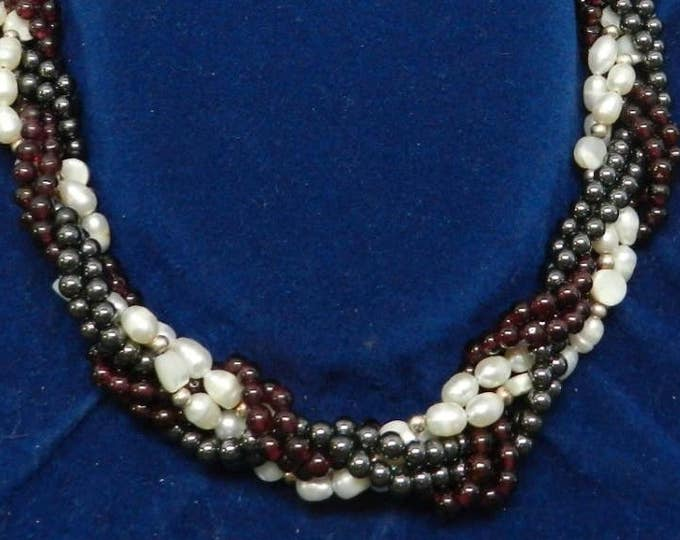 Jackie Kennedy Garnet and Pearl Necklace with Certificate - tms1