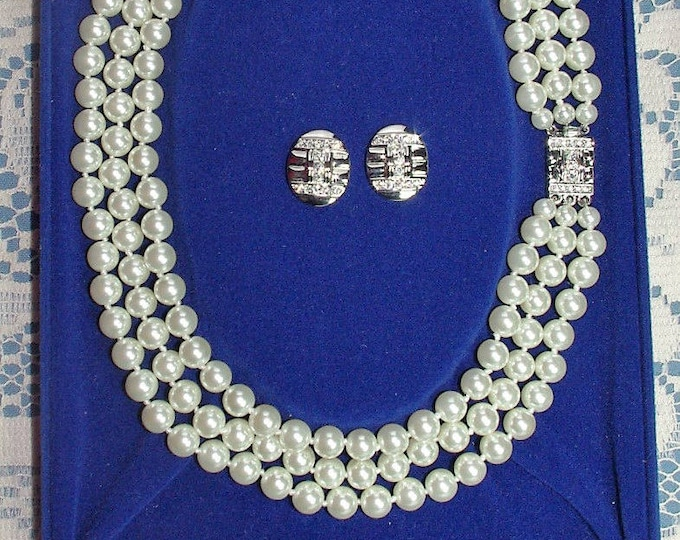 Jackie Kennedy Jewelry Set - Pearl Necklace with Silver Pierced Earrings and Certificate