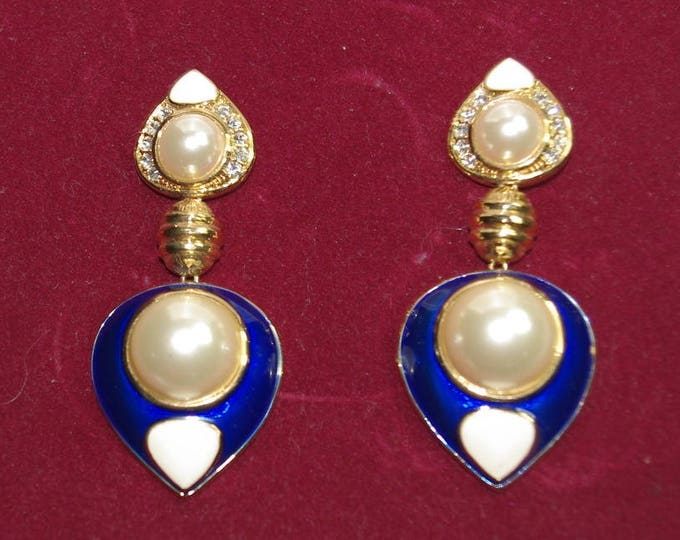 Jackie Kennedy Pearl Dangle Pierced Earrings with Certificate - 16