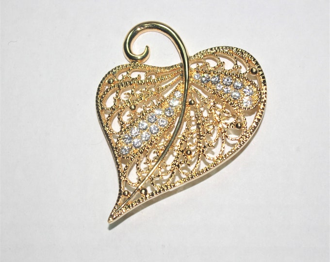 Jackie Kennedy Brooch - Gold Plated Filigree Leaf with Crystals and Certificate - 30