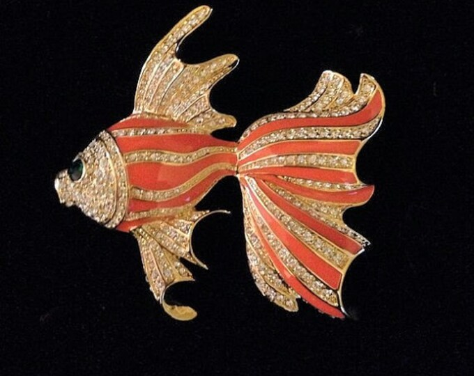 Jackie Kennedy Fish Brooch - Gold Plated, Enameling and Stones - No. 285