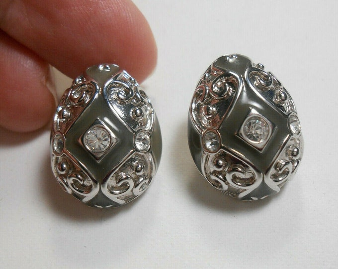 Joan Rivers Egg Earrings - Silver and Gray Clip On - S3235
