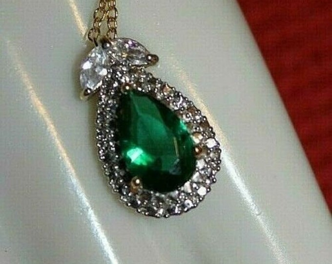 Jackie Kennedy Emerald Pendant Necklace - No. 265
