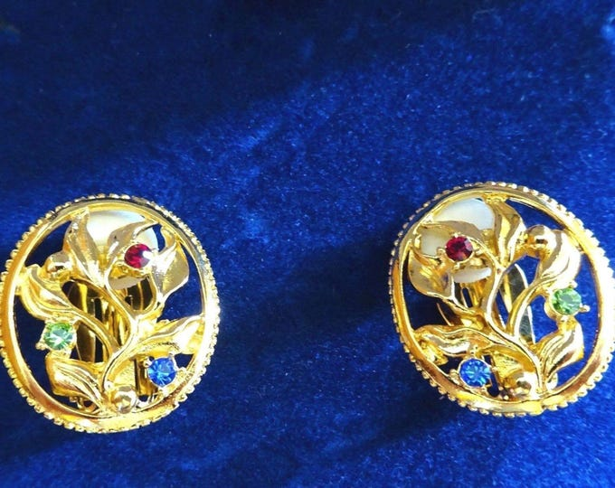 Jackie Kennedy Earrings - Flower Clip On with Certificate - 10