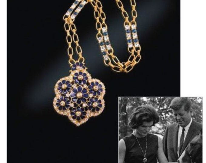 Jackie Kennedy Grand Tour Necklace with Pin Pendant - #204 TMS1