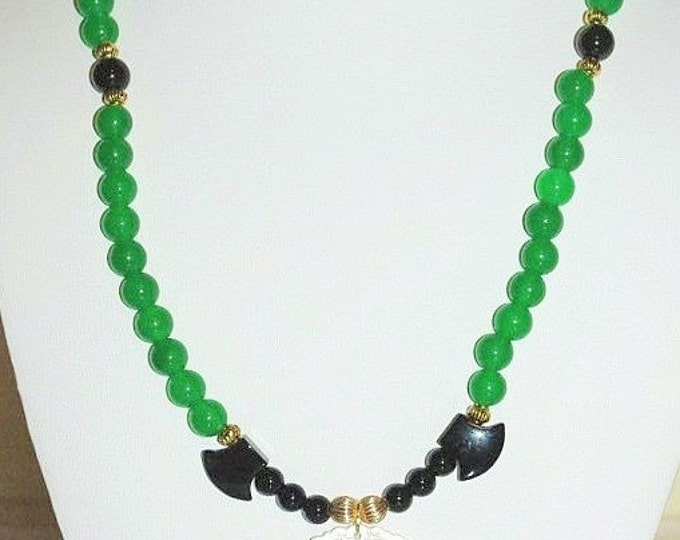 Green Jade Necklace with Mother of Pearl Pendant - S2350