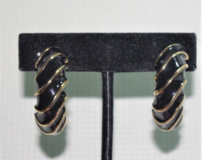 Joan Rivers Earrings - Black & Gold Clip On - S2495