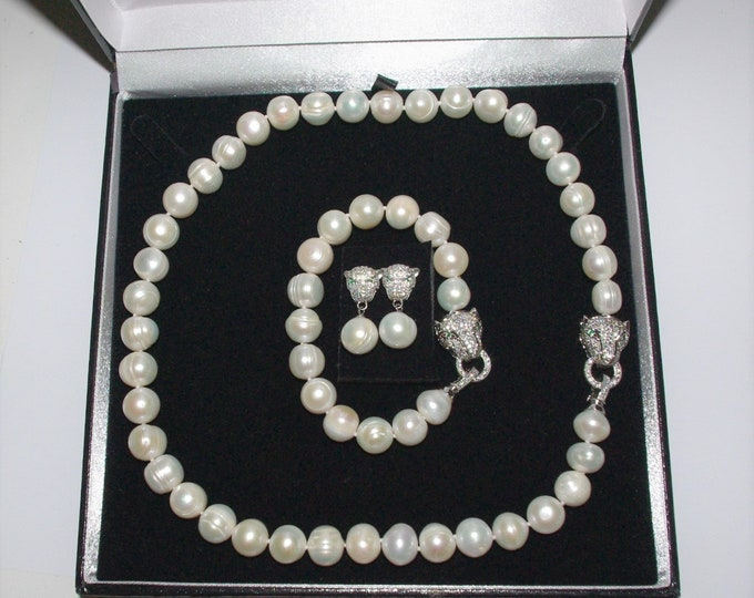 Genuine Freshwater Cultured Pearl Set - 3 Pieces in White Round Pearls with Certificate