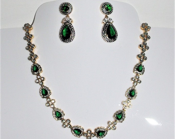 Jackie Kennedy Jewelry SET - Emerald Necklace and Earrings with Certificate