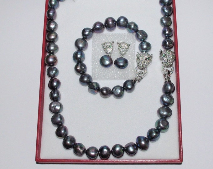3pc Cultured Pearl SET with Box and Certificate - Black