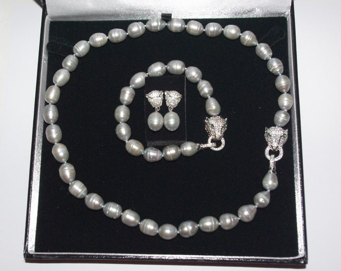 3pc Cultured Pearl SET with Box and Certificate - Gray