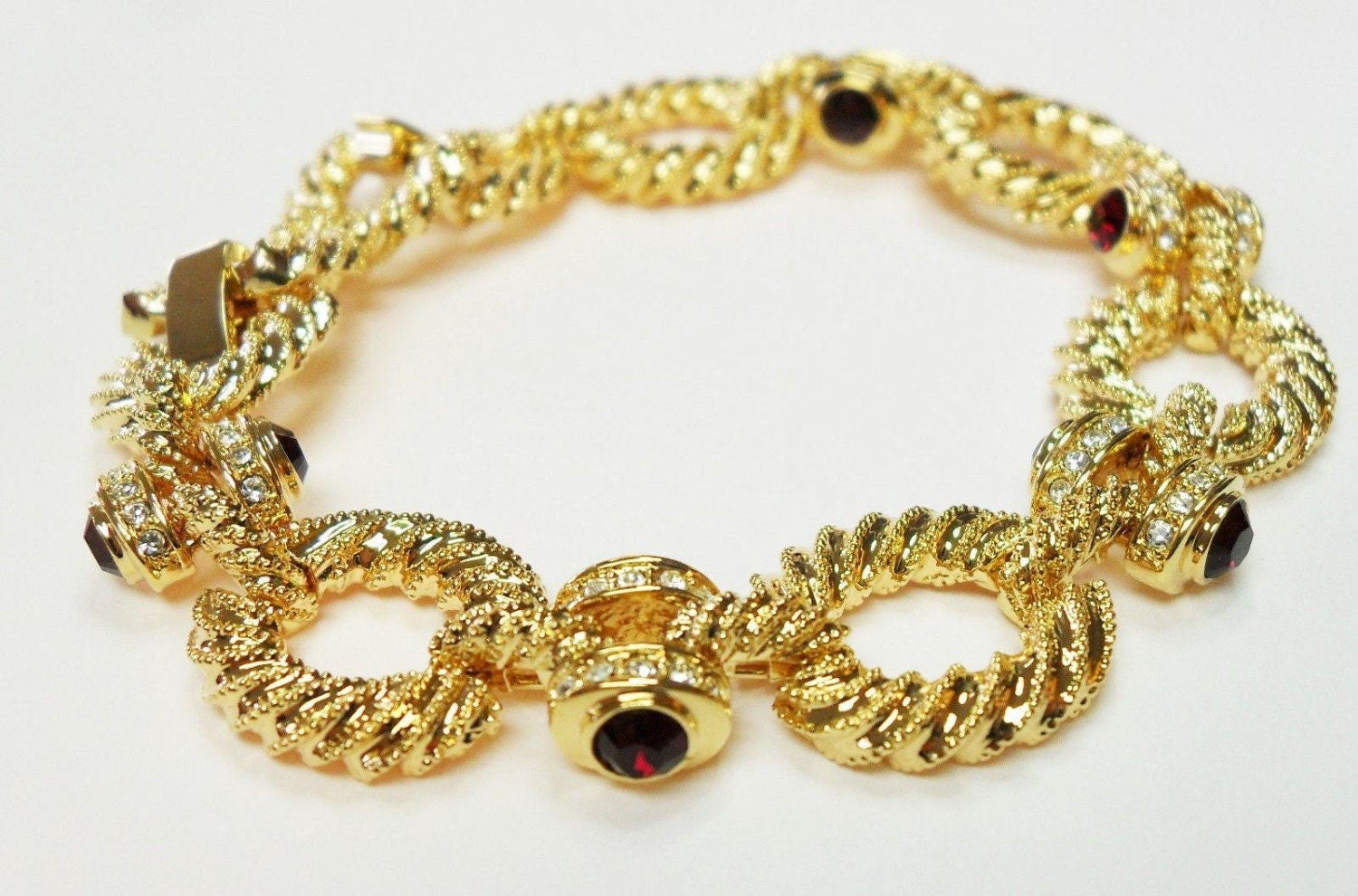 monarch bracelet oro shop jewellery resized bracelets bead collection macrame gold